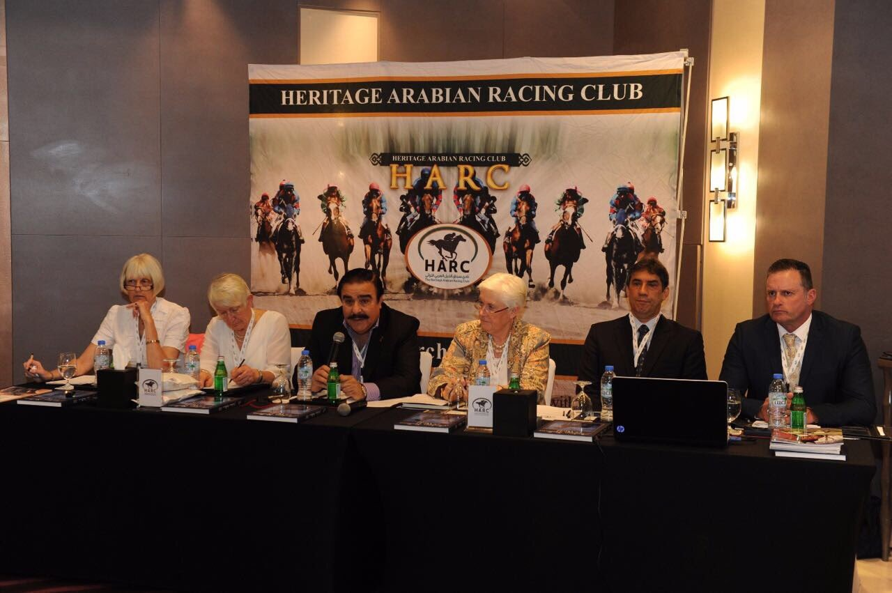 بدء الاجتماع السنوي الثالث لنادي سباقات الخيل العربي التراثي